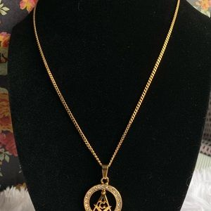 Jewelry - 18k Goldfilled Necklace w: pendant.